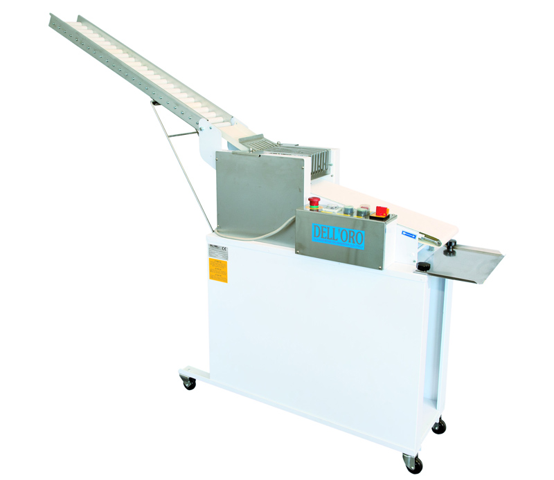 Automatic moulder of bread sticks