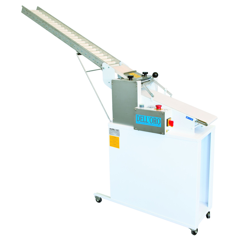 Semi-automatic moulder of bread sticks